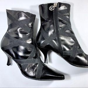 Donald J Pliner Black strapy ankle heeled boots 6